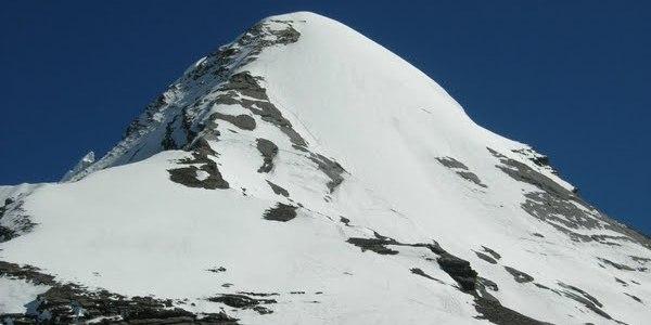 Pisang Peak Climbing Photo