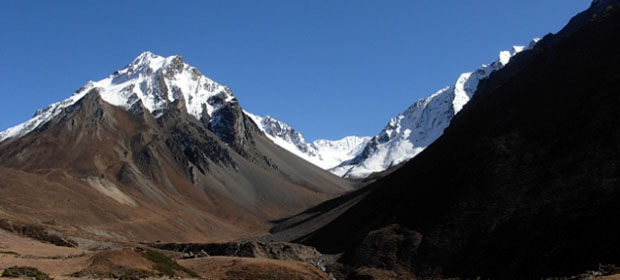 Tshum valley larkyala pass trek photo